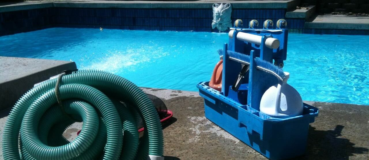 Pool Guide All about pool cleaning and hands free swimming pools